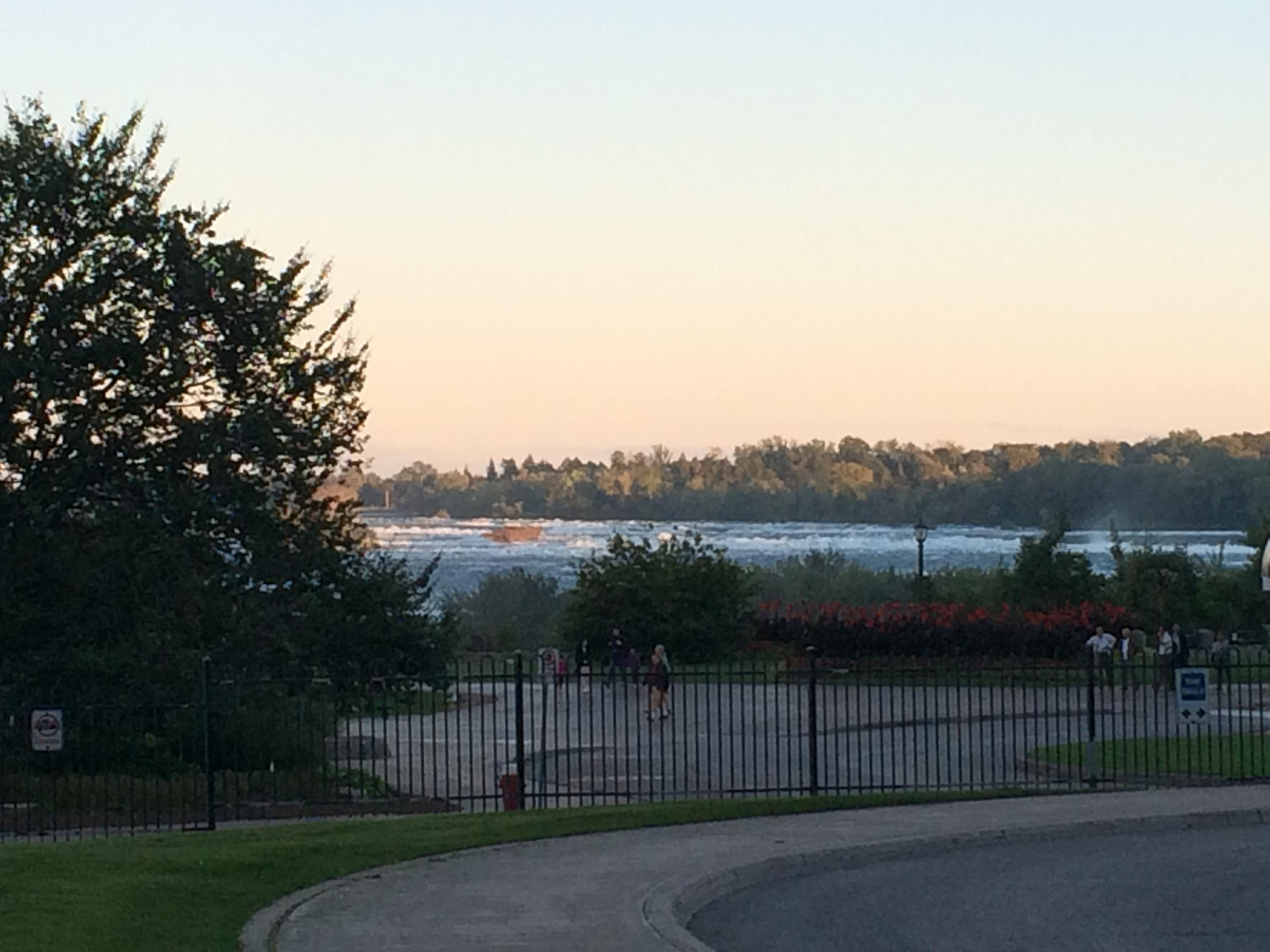0037 2015-09-22 18.51.14 Rapids on Niagara River, Niagara Falls, ON