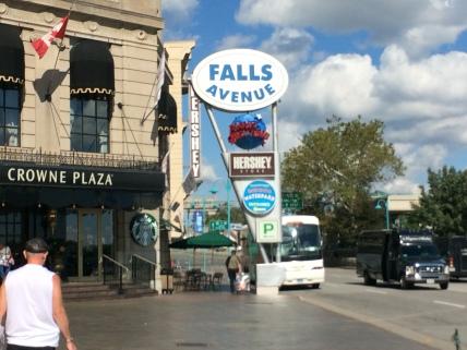 0014 2015-09-22 14.43.14 Clifton Hill, Niagara Falls, ON
