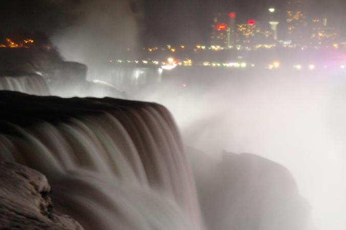 2014-04-03 12.50.29 Niagara Falls At Night